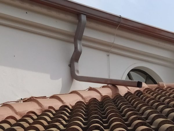 Seamless Guttering - Close Up - Universal Roofing